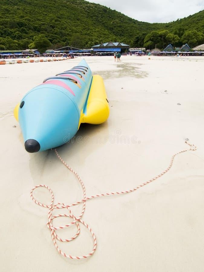 βάρκα παραλιών μπανανών στοκ εικόνα με δικαίωμα ελεύθερης χρήσης