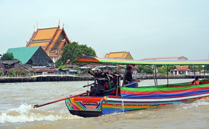 Βάρκα πειρατών τουριστών στον ποταμό Chao Phraya στη Μπανγκόκ στοκ εικόνες με δικαίωμα ελεύθερης χρήσης