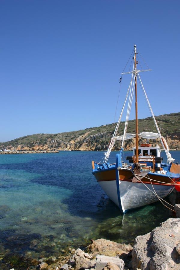 Download βάρκα που αλιεύει τα ελ&la Στοκ φωτογραφία με δικαίωμα ελεύθερης χρήσης - εικόνα: 489225