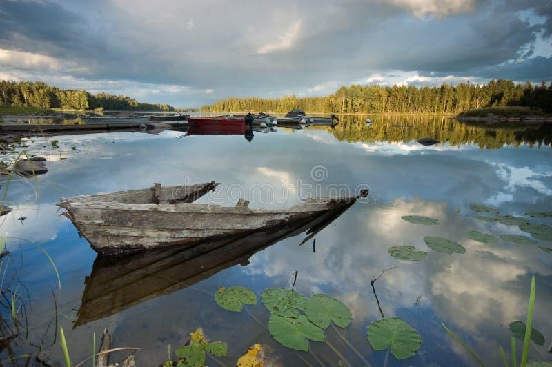 βάρκα που καταστρέφεται στοκ φωτογραφίες με δικαίωμα ελεύθερης χρήσης