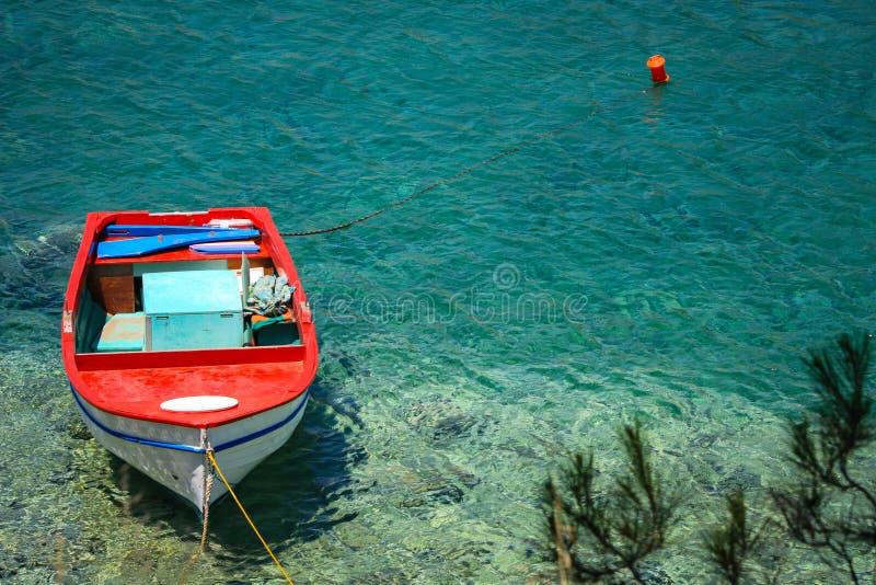 Βάρκα σε έναν κόλπο στοκ φωτογραφίες