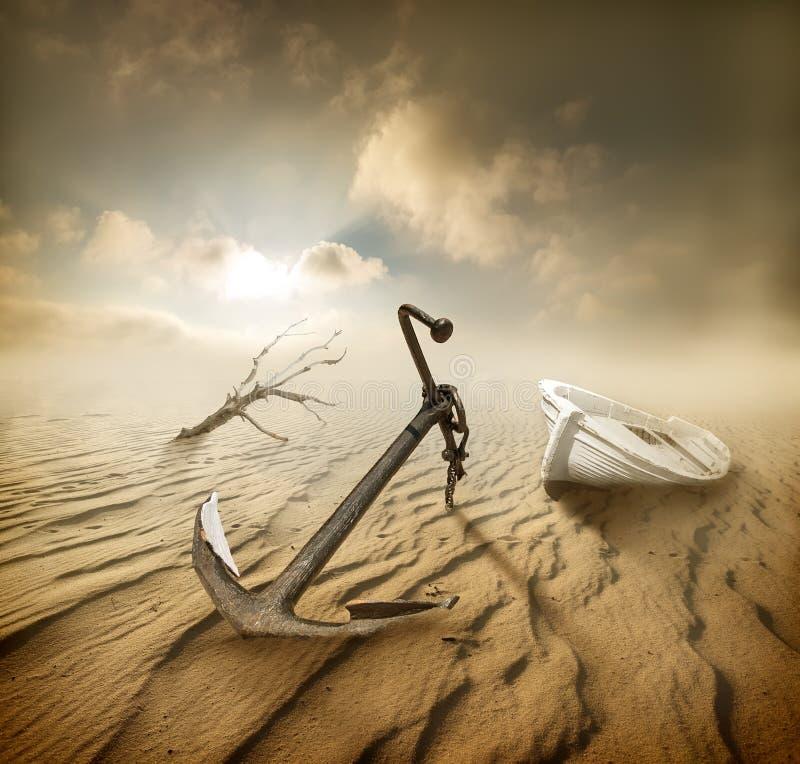 Βάρκα στην έρημο στοκ εικόνα με δικαίωμα ελεύθερης χρήσης