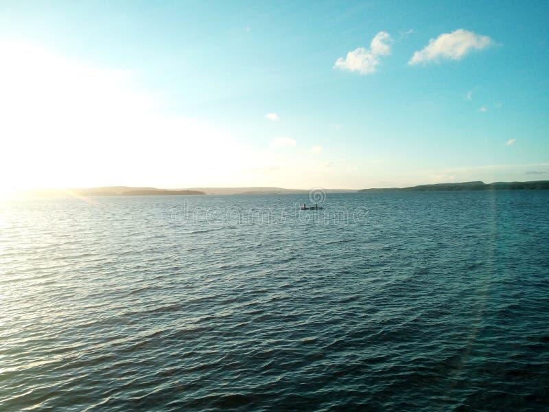 Βάρκα στη θάλασσα στοκ φωτογραφία με δικαίωμα ελεύθερης χρήσης