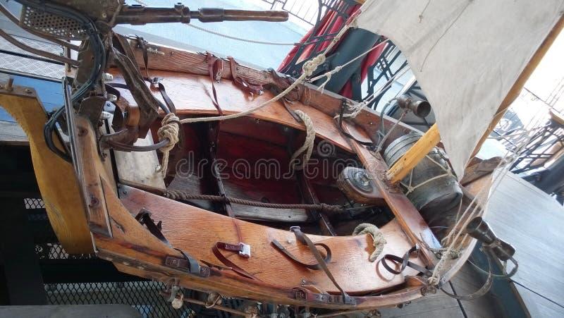 Βάρκα στο ιπποδρόμιο των θαλασσίων κόσμων στο νησί της Νάντης στοκ εικόνα
