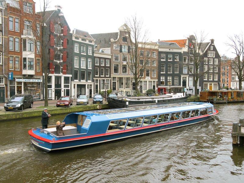 Βάρκα 0825 τουριστών του Άμστερνταμ στοκ φωτογραφία