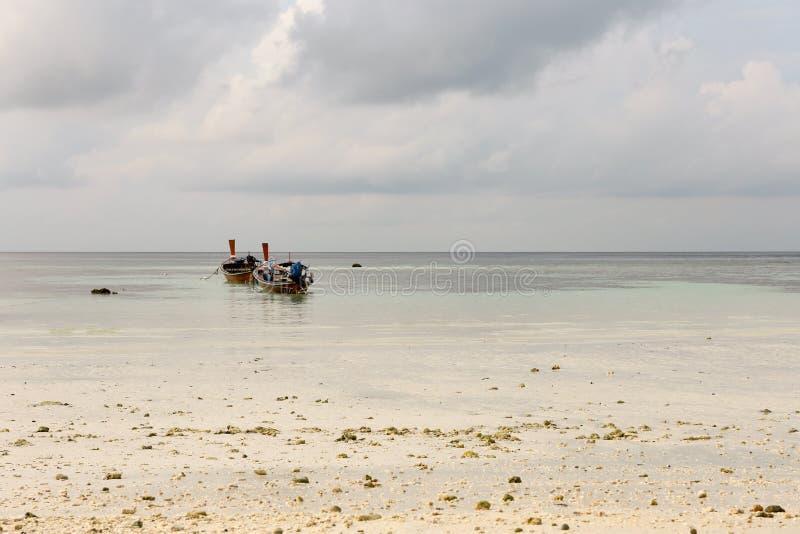 Βάρκα Kolae στο νησί Lipe, Ταϊλάνδη στοκ εικόνα