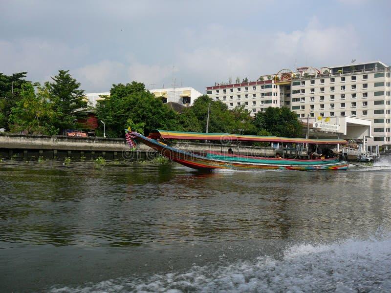 Βάρκα Longtail στον ποταμό Chao Phraya στοκ εικόνες με δικαίωμα ελεύθερης χρήσης