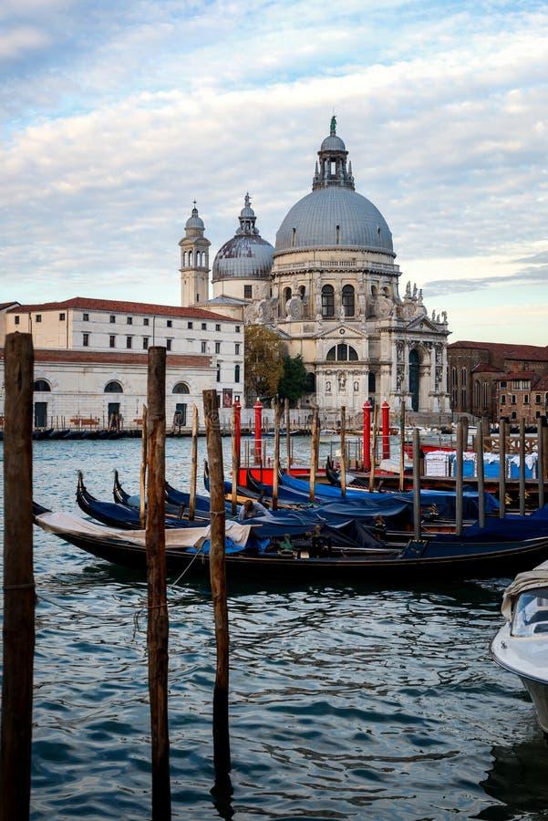 Βάρκες γονδολών στη Βενετία - την Ιταλία στοκ φωτογραφίες με δικαίωμα ελεύθερης χρήσης