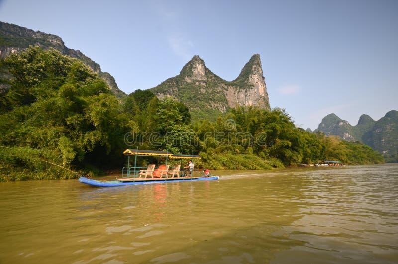 Βάρκες μπαμπού σε Yangshuo στοκ εικόνες με δικαίωμα ελεύθερης χρήσης