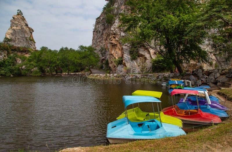 Βάρκες πενταλιών για το ενοίκιο στοκ εικόνες με δικαίωμα ελεύθερης χρήσης
