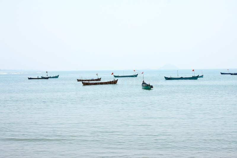 βάρκες που αλιεύουν το & στοκ εικόνα με δικαίωμα ελεύθερης χρήσης