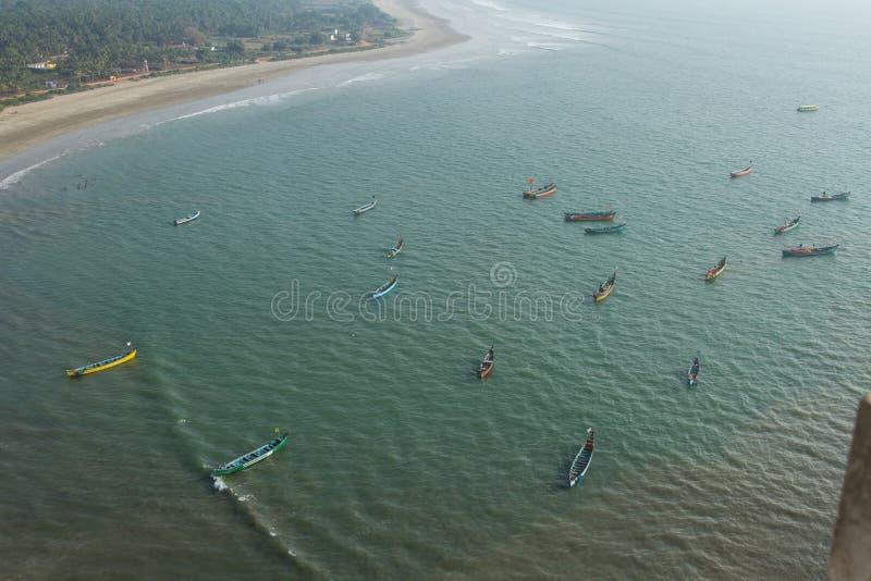 βάρκες που αλιεύουν τη &thet Αναμονή την αλιεία επάνω από την όψη στοκ εικόνα με δικαίωμα ελεύθερης χρήσης