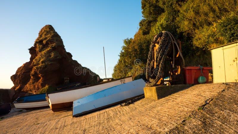 Βάρκες στην ακτή, Dawlish, Devon, Αγγλία στοκ φωτογραφία με δικαίωμα ελεύθερης χρήσης