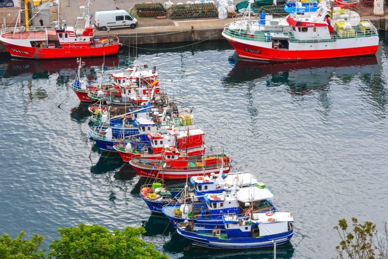 Βάρκες στην αλιεία του λιμένα, Luarca, Ισπανία στοκ φωτογραφίες με δικαίωμα ελεύθερης χρήσης