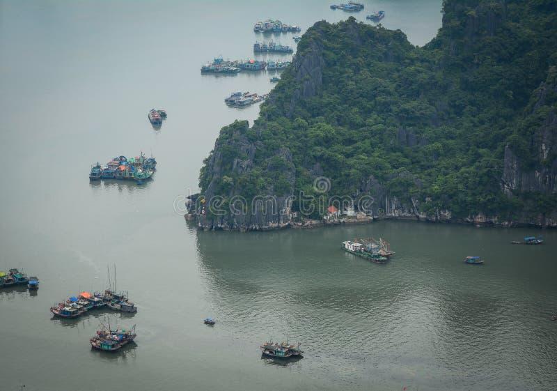 Βάρκες στη θάλασσα στοκ εικόνα με δικαίωμα ελεύθερης χρήσης