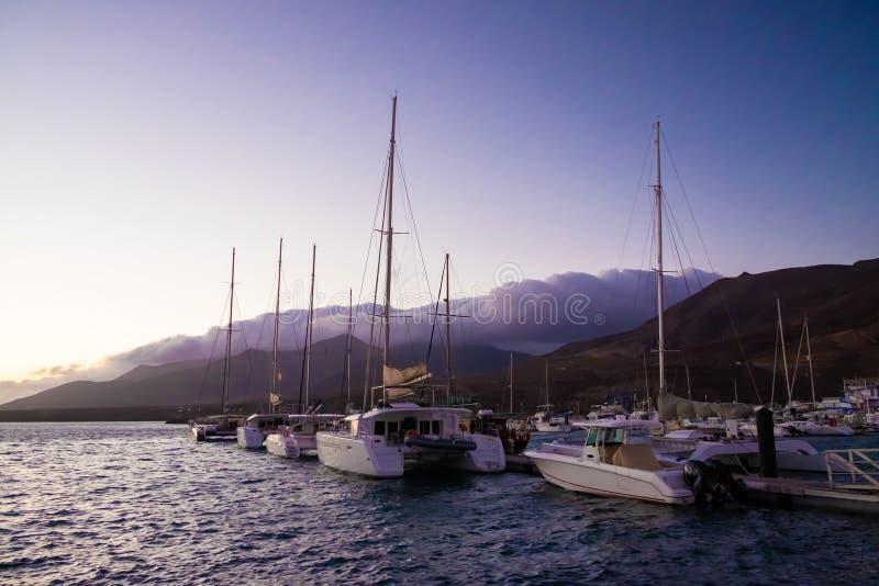 Βάρκες στο λιμένα Morro Jable σε Fuerteventura στοκ φωτογραφία