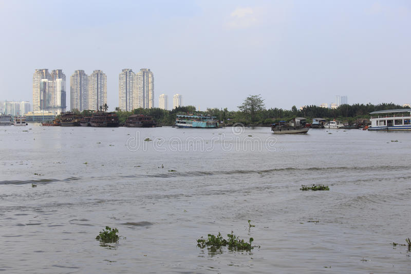 Βάρκες τουριστών στον ποταμό Moekong στοκ φωτογραφίες με δικαίωμα ελεύθερης χρήσης