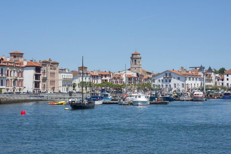 Βάρκες Saint-Jean de Luz - το λιμάνι Ciboure Aquitaine, Γαλλία στοκ εικόνες