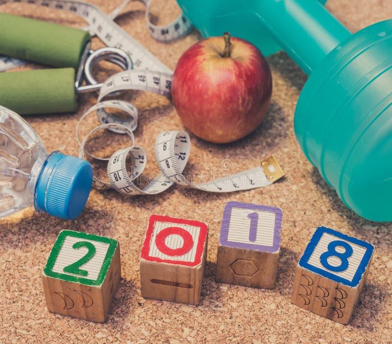 Βάλτε το επίπεδο - καλή χρονιά το 2018 Ικανότητα & υγιής έννοια κατανάλωσης στοκ εικόνα