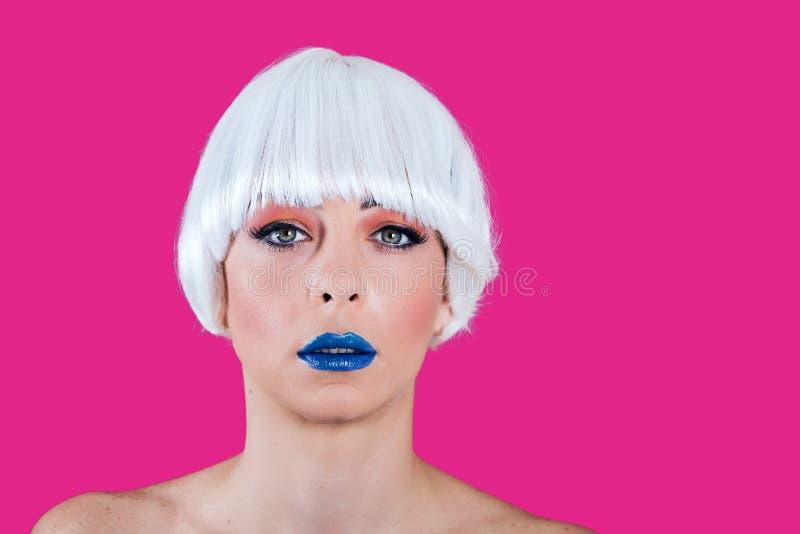Βέβαιο πρότυπο με το ζωηρόχρωμο makeup στοκ φωτογραφία