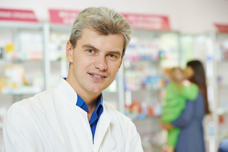 βέβαιο φαρμακείο ατόμων φ&alph στοκ φωτογραφίες