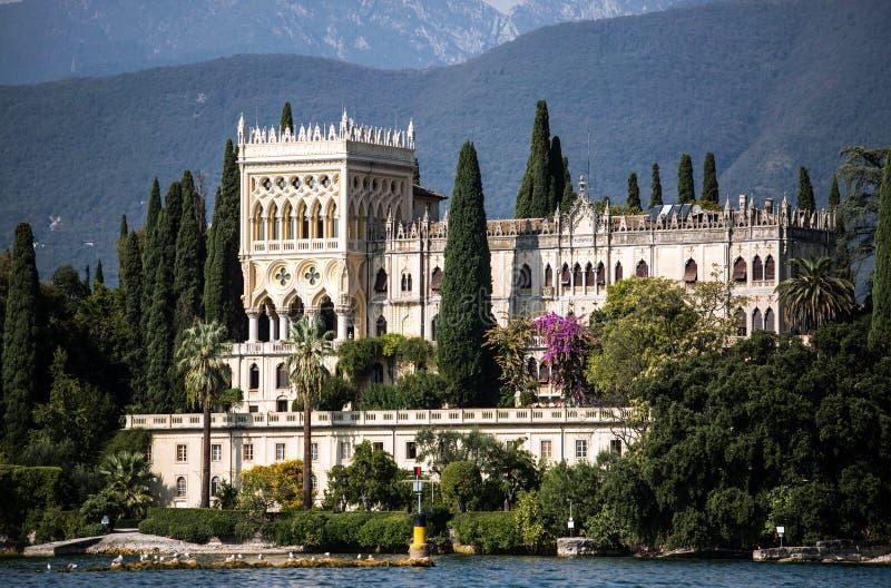 Βίλα στη λίμνη Garda στοκ φωτογραφία με δικαίωμα ελεύθερης χρήσης
