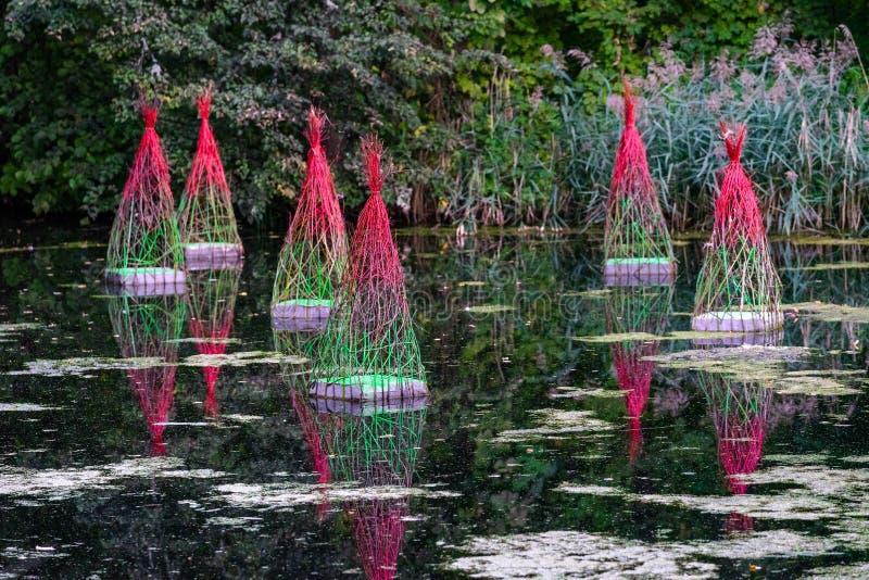 ΒΊΛΝΙΟΥΣ, ΛΙΘΟΥΑΝΙΑ - ΣΕΠΤΕΜΒΡΙΟΣ 07, 2019:15η Έκθεση Γήινης Τέχνης 'Ανακαλύψεις' κατά την πρώτη ημέρα στοκ εικόνα