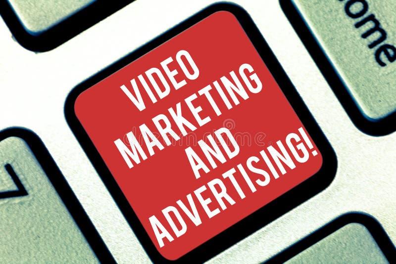 Βίντεο γραψίματος κειμένων γραφής που εμπορεύεται και που διαφημίζει Έννοια που σημαίνει τη στρατηγική βελτιστοποίησης εκστρατεία στοκ φωτογραφίες