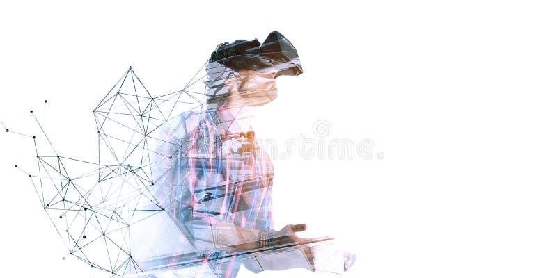 Βίωση του εικονικού κόσμου τεχνολογίας Μικτά μέσα στοκ εικόνες