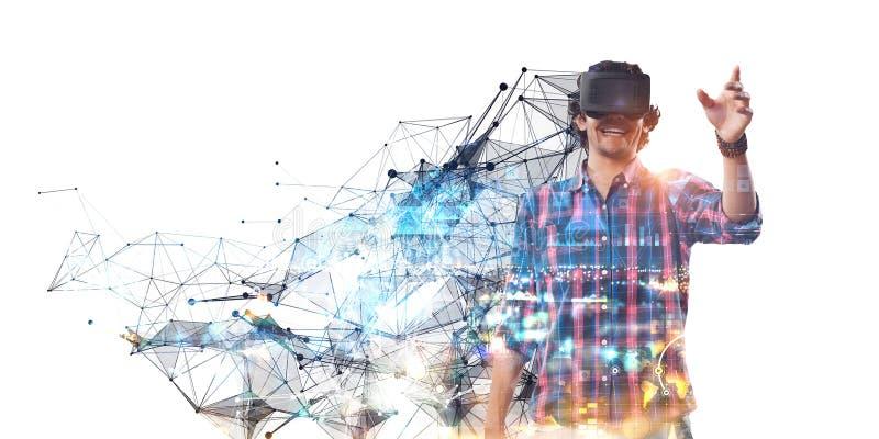 Βίωση του εικονικού κόσμου τεχνολογίας r στοκ εικόνες με δικαίωμα ελεύθερης χρήσης