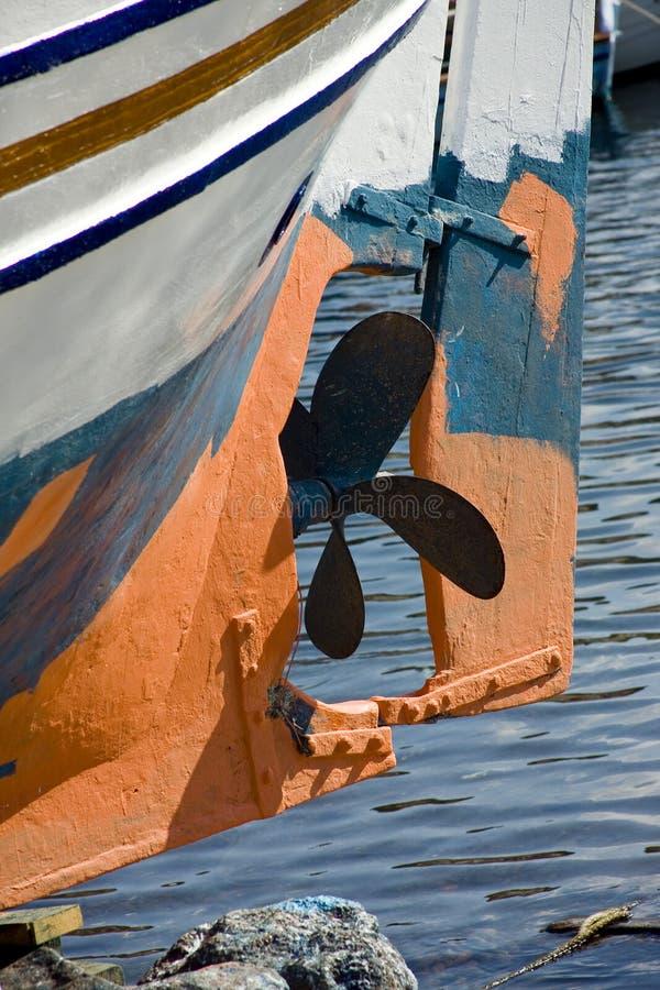 Βίδα της βάρκας το σκάφος στην πρόσδεση στοκ φωτογραφία με δικαίωμα ελεύθερης χρήσης