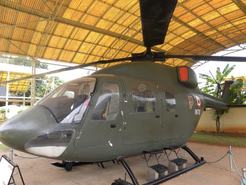 Βαγκαλόρη, Karnataka, Ινδία - 1 Ιανουαρίου 2009 προηγμένο ελαφρύ ελικόπτερο στο αεροδιαστημικό μουσείο HAL στοκ εικόνες
