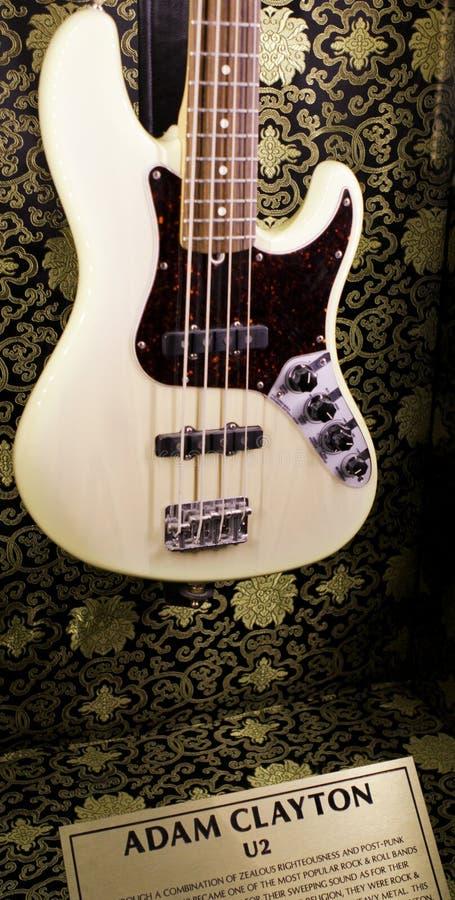 βαθιά κιθάρα clayton Adam s u2 στοκ εικόνα με δικαίωμα ελεύθερης χρήσης