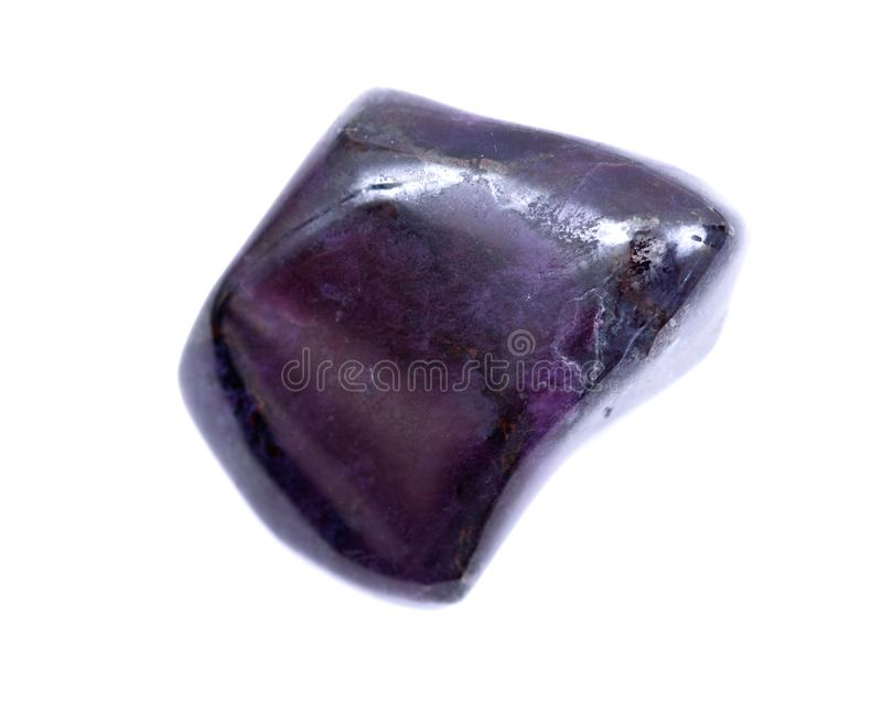 Βαθιά - πορφυρό μαγγάνιο με πεφμένη τη sugilite πέτρα από τη Νότια Αφρική στοκ φωτογραφία με δικαίωμα ελεύθερης χρήσης