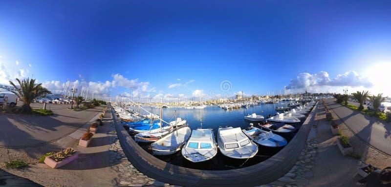 360 βαθμοί άποψης του λιμανιού Alghero μια σαφή ημέρα στοκ εικόνα με δικαίωμα ελεύθερης χρήσης