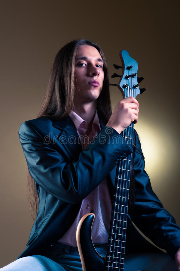 βαθύ πορτρέτο μουσικών κιθάρων στοκ εικόνα