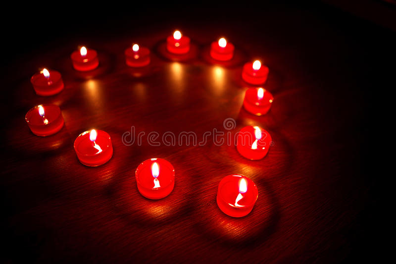 Download βαλεντίνοι καρδιών μορφής κεριών Στοκ Εικόνα - εικόνα από αυξήθηκε, πυρκαγιά: 22798245