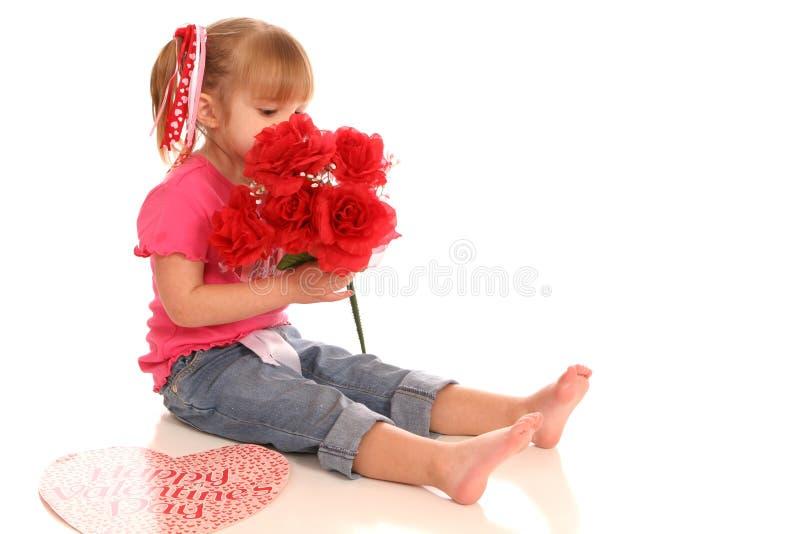 βαλεντίνος λουλουδιών girl1 στοκ εικόνες με δικαίωμα ελεύθερης χρήσης