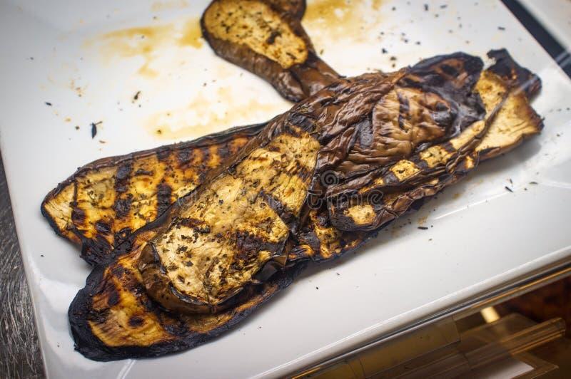 Βαλσαμική ψημένη στη σχάρα ιταλική μελιτζάνα στοκ εικόνα με δικαίωμα ελεύθερης χρήσης