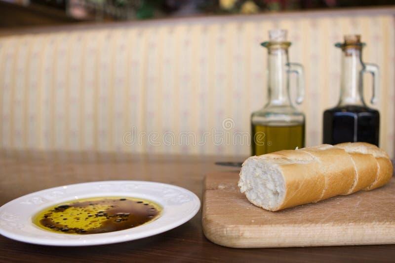 βαλσαμικό ξίδι restaura ελιών πετ& στοκ εικόνες