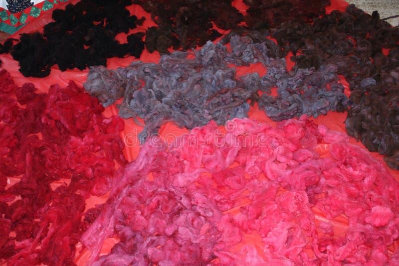 Βαμμένο μαλλί προβάτων στοκ εικόνα με δικαίωμα ελεύθερης χρήσης