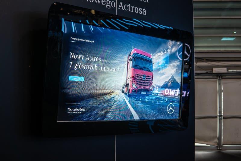 Βαρέων καθηκόντων φορτηγό της Mercedes Actros, τρίτη γενιά, brand's νέα ναυαρχίδα από Benz της Mercedes στοκ εικόνα