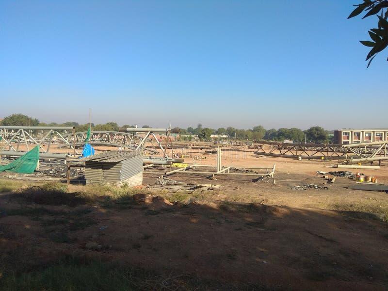 Βαριά κατασκευή, έργο ανάπτυξης, ζευκτόντα στοκ εικόνα με δικαίωμα ελεύθερης χρήσης