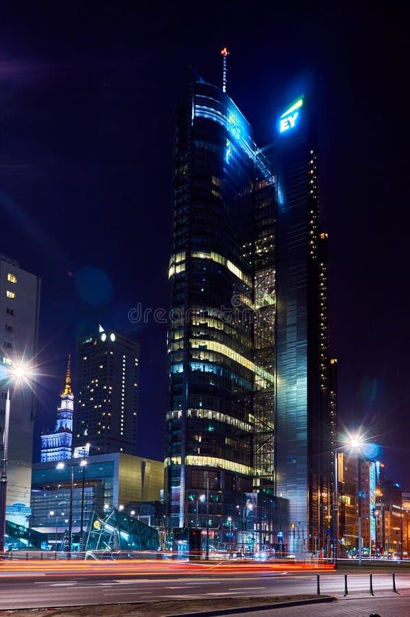 Βαρσοβία, Πολωνία - 28 Μαρτίου 2016: Rondo 1 κτίριο γραφείων, ύψος 192 μ στοκ φωτογραφίες