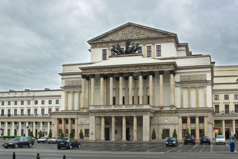 ΒΑΡΣΟΒΙΑ, ΠΟΛΩΝΙΑ - 12 ΜΑΐΟΥ 2012: Άποψη του μεγάλου θεάτρου και της εθνικής όπερας Teatr Wielki στοκ φωτογραφία με δικαίωμα ελεύθερης χρήσης