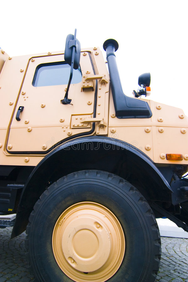 βαρύ στρατιωτικό όχημα υπηρ&e στοκ εικόνες