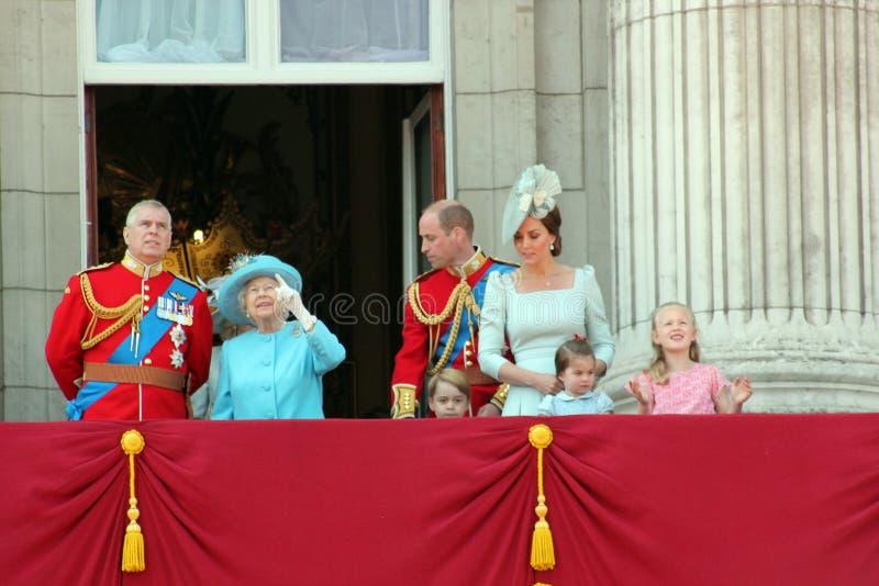 Βασίλισσα Elizabeth, Λονδίνο, UK, στις 9 Ιουνίου 2018 - πρίγκηπας George William, Charles, Κέιτ Μίντλτον, Andrew & πριγκήπισσα στοκ φωτογραφία