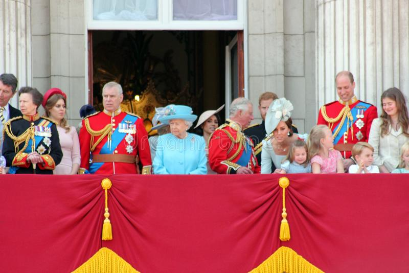 Βασίλισσα Elizabeth, Λονδίνο, UK, στις 9 Ιουνίου 2018 - Meghan Markle, πρίγκηπας Harry, πρίγκηπας George William, Charles, Κέιτ Μ στοκ φωτογραφία