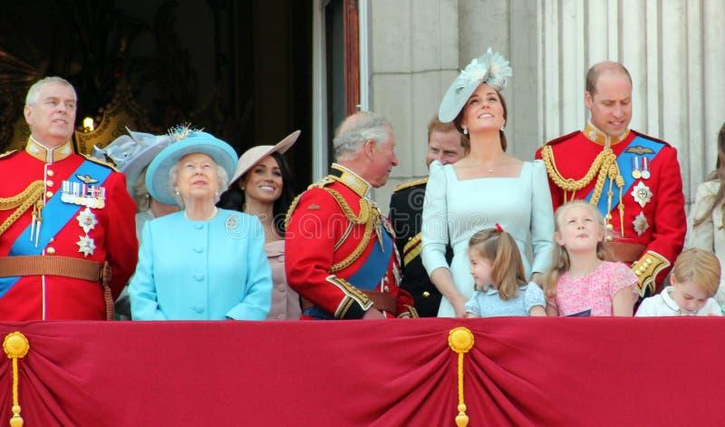 Βασίλισσα Elizabeth, Λονδίνο, UK, στις 9 Ιουνίου 2018 - Meghan Markle, πρίγκηπας Harry, πρίγκηπας George William, Charles, Κέιτ Μ στοκ εικόνες με δικαίωμα ελεύθερης χρήσης