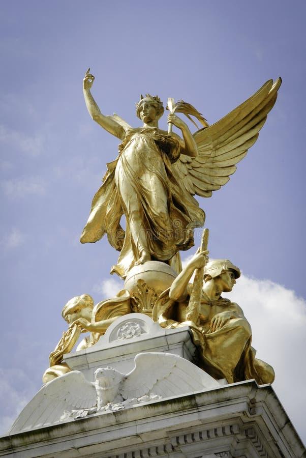 Βασίλισσα Victoria Memorial μπροστά από το Buckingham Palace στοκ φωτογραφία με δικαίωμα ελεύθερης χρήσης